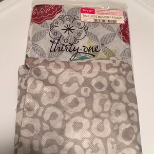 Thirty- one timeless memory pouches
